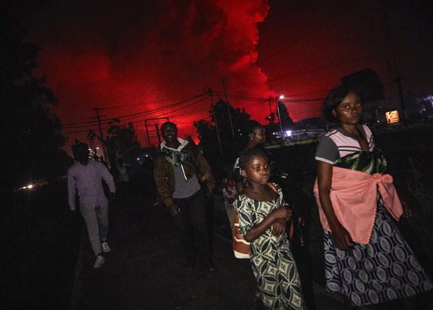 Nagła erupcja wywołała panikę wśród mieszkańców Gomy /HUGH KINSELLA CUNNINGHAM  /PAP/EPA