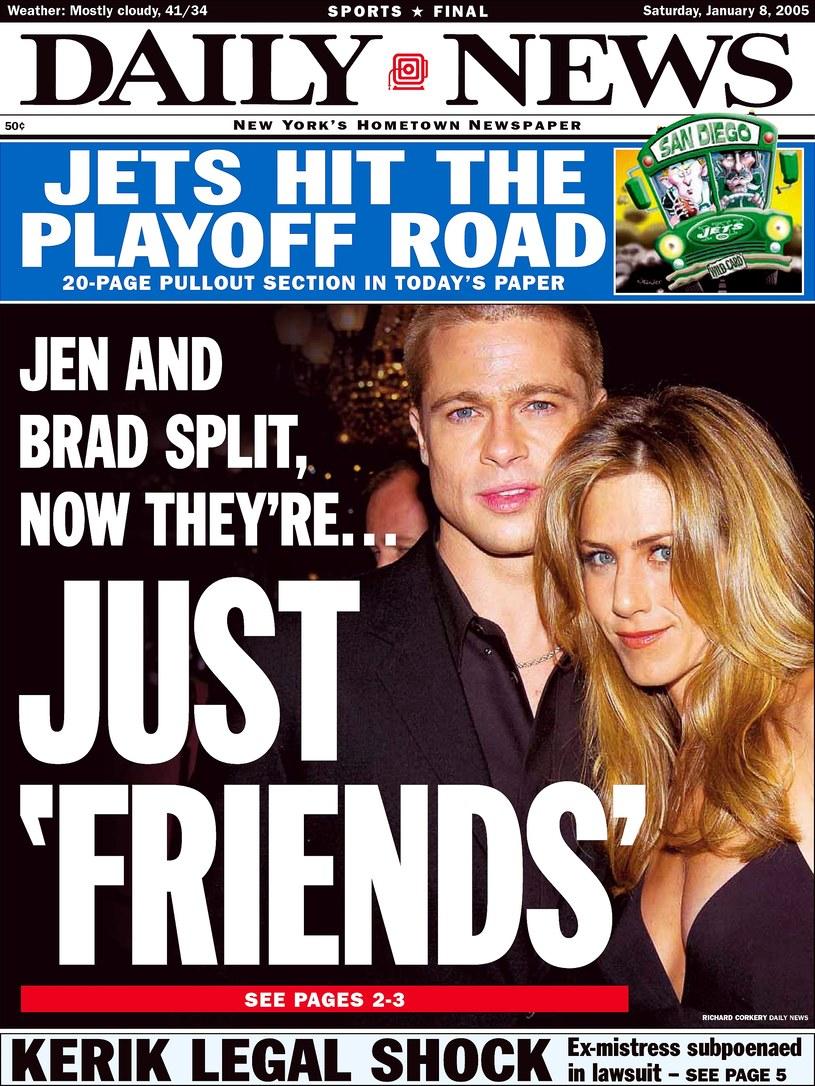 Nagłówek amerykańskiego tabloidu z 2005 roku informujący o rozstaniu Aniston i Pitta /Getty Images