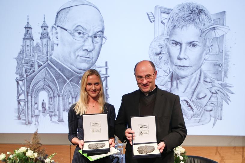 Nagrodę w imieniu Ewy Błaszczyk odebrała jej córka, Marianna Janczarska /Beata Zawrzel /Reporter