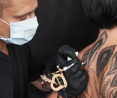 Najbardziej boli tatuaż zrobiony w tych miejscach. Lista czułych punktów