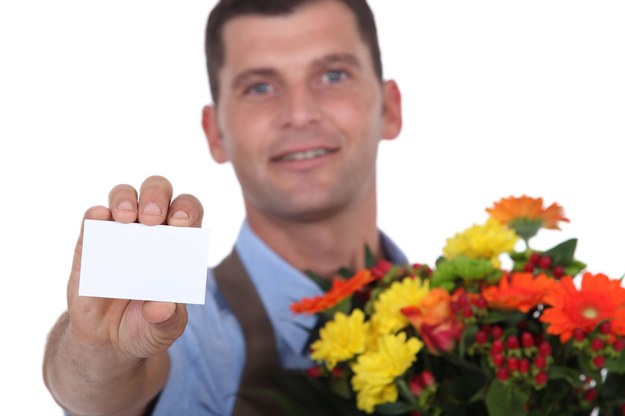 Najbardziej dochodowym zajęciem w dzień walentynek jest praca kuriera kwiatowego /123RF/PICSEL
