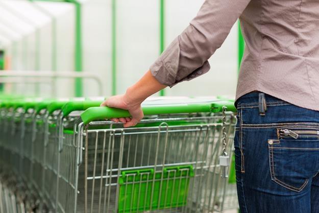 Najbiedniejsi konsumenci nie mogą sobie pozwolić na zakupy w promocji /poboczem.pl