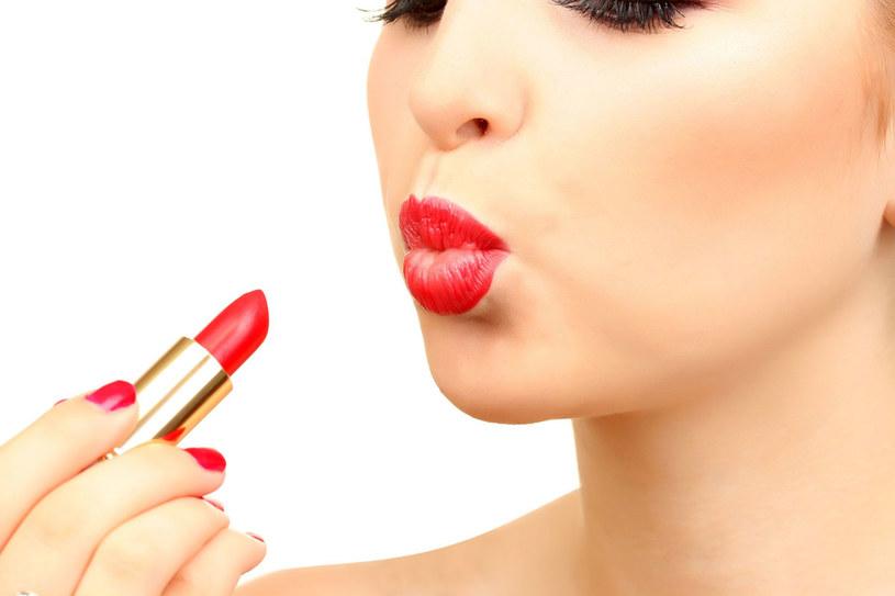 Najcieńsza skóra na ciele znajduje się właśnie na ustach. Z tego powodu  są one szczególnie narażone na uszkodzenia przez promienie słoneczne /123RF/PICSEL