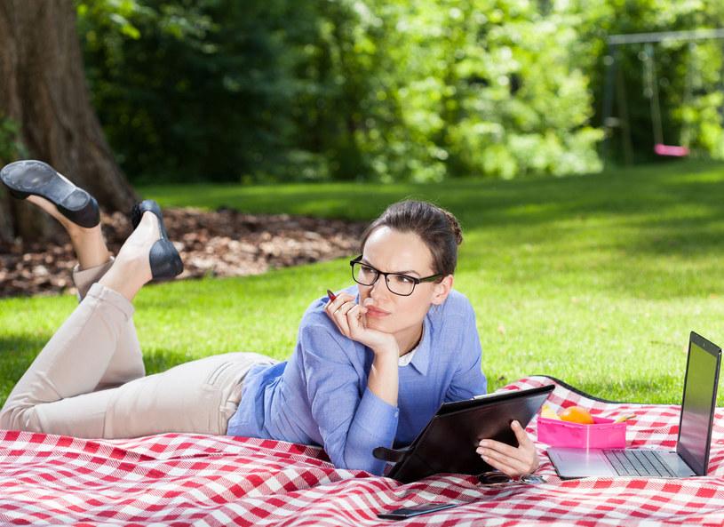Najczęściej blogerzy, którzy zarabiają, piszą teksty lifestyle'owe czy związane z modą i urodą /Picsel /123RF/PICSEL