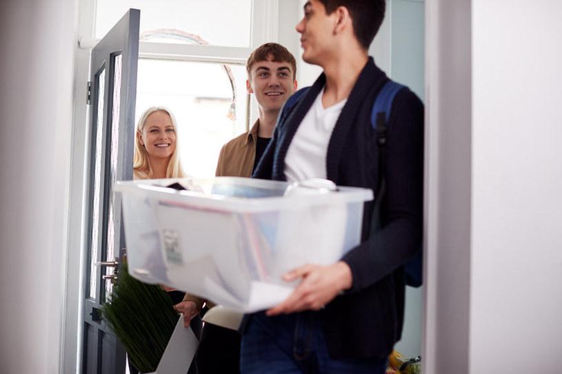 Najczęściej mieszkanie wynajmują studenci /123RF/PICSEL