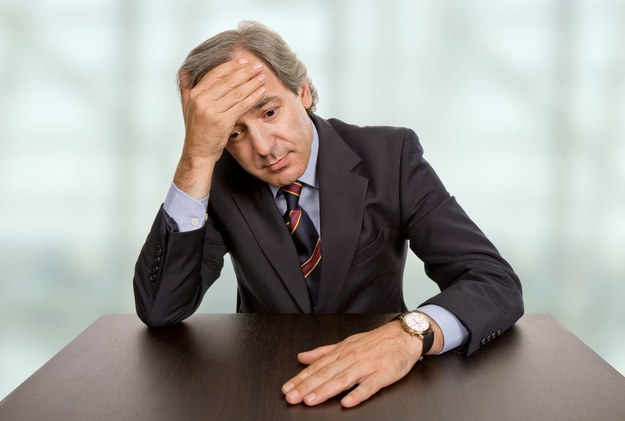 Najczęściej poddają się osoby powyżej 50. roku życia, zwłaszcza jeśli dobrze zarabiały /123RF/PICSEL