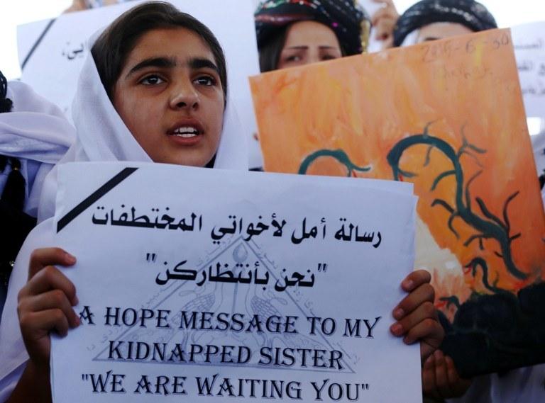 Najczęściej porywane są małe dziewczynki. Rodziny rozpaczają /AFP