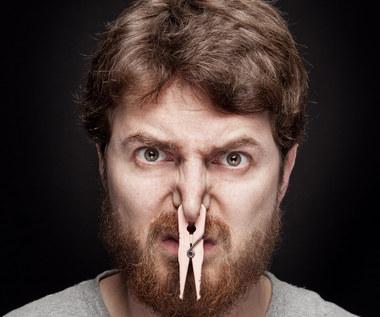 Najczęstsze powody przez które pachniesz inaczej niż zwykle