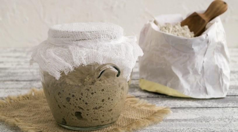 Najlepiej jeść chleb na zakwasie /©123RF/PICSEL