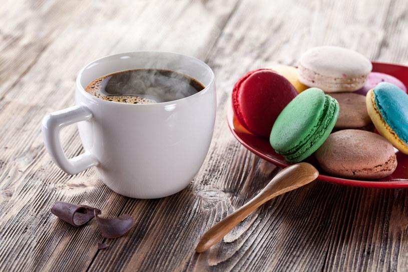 Najlepiej pić dziennie 1-2 kubki kawy mielonej /123RF/PICSEL