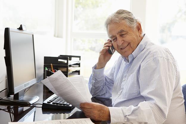 Najlepiej podnieść wiek emerytalny. Co na to rząd? /©123RF/PICSEL