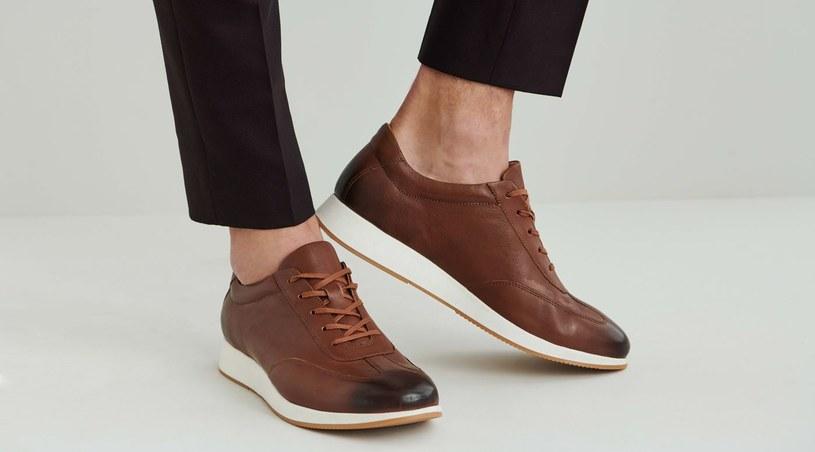 Najlepiej wybrać  buty  klasyczne, wykonane ze skóry, które są trwałe i będą modne przez wiele lat /materiały promocyjne