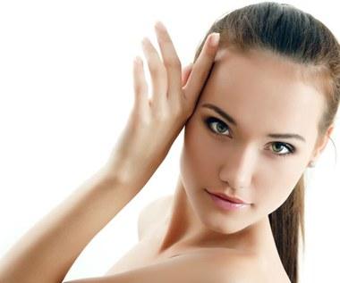 Najlepsze naturalne składniki dla zdrowia skóry, włosów i paznokci