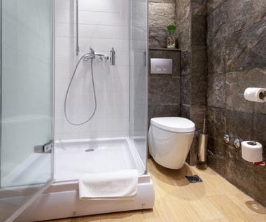 Najlepsze patenty na czyszczenie kabiny prysznicowej