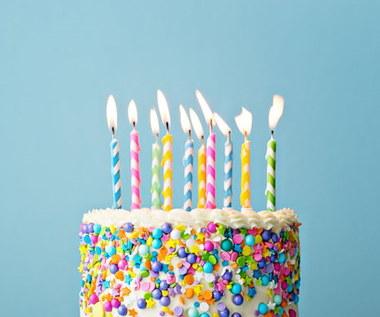 Najlepsze pomysły na proste dekoracje tortu