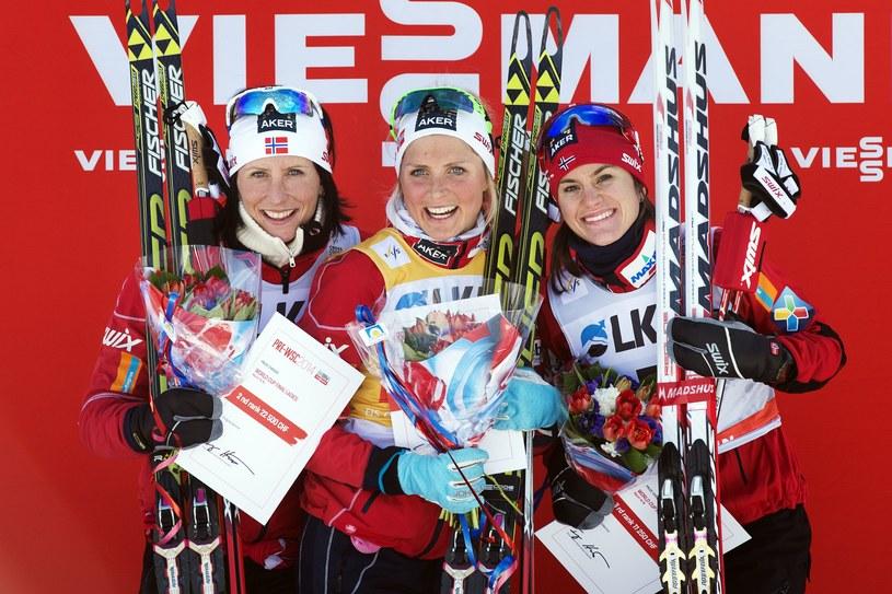 Najlepsze zawodniczki finałowych zawodów. Od lewej: Marit Bjoergen, Therese Johaug i Heidi Weng /AFP