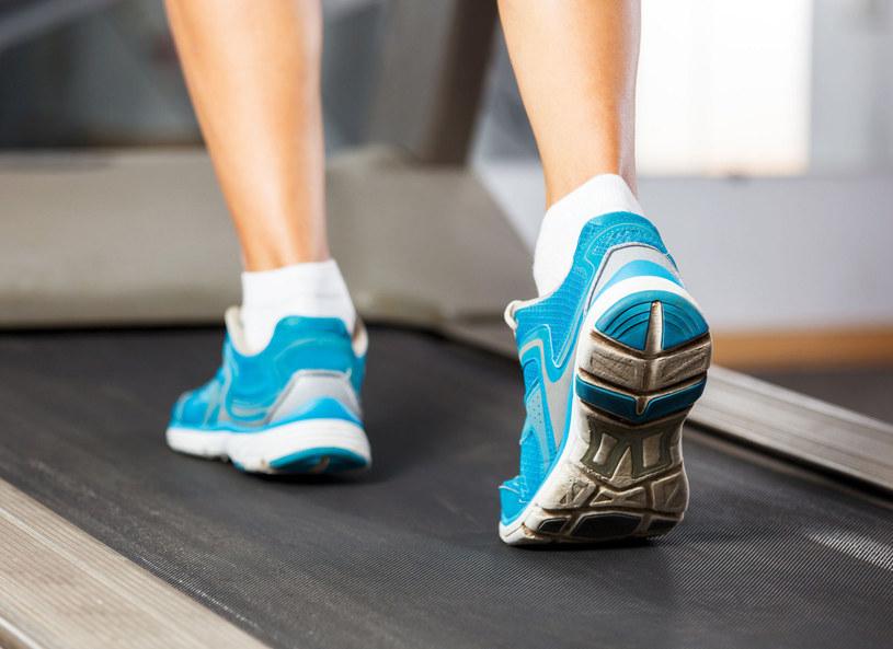 Najlepszym sposobem na zapobieganie wzrostowi masy ciała jest połączenie zdrowej, zbilansowanej diety z aktywnością fizyczną /Picsel /123RF/PICSEL
