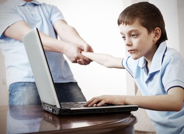 Najmłodsi sięgający po pornografię mają osiem lat. Większość - dziesięć, jedenaście... /123RF/PICSEL