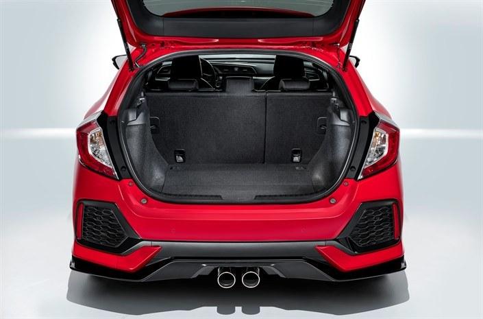 Najnowsza generacja Hondy Civic to samochód zaskakujący pakownością bagażnika w swojej klasie /materiały prasowe