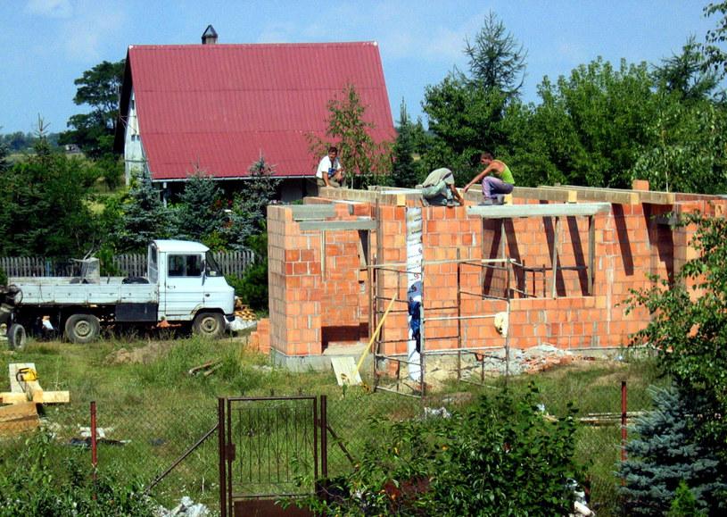 Najnowsza nowelizacja ustawy Prawo budowlane wprowadza szereg uproszczeń dla osób realizujących inwestycje budowlane /Andrzej Iwańczuk /Reporter
