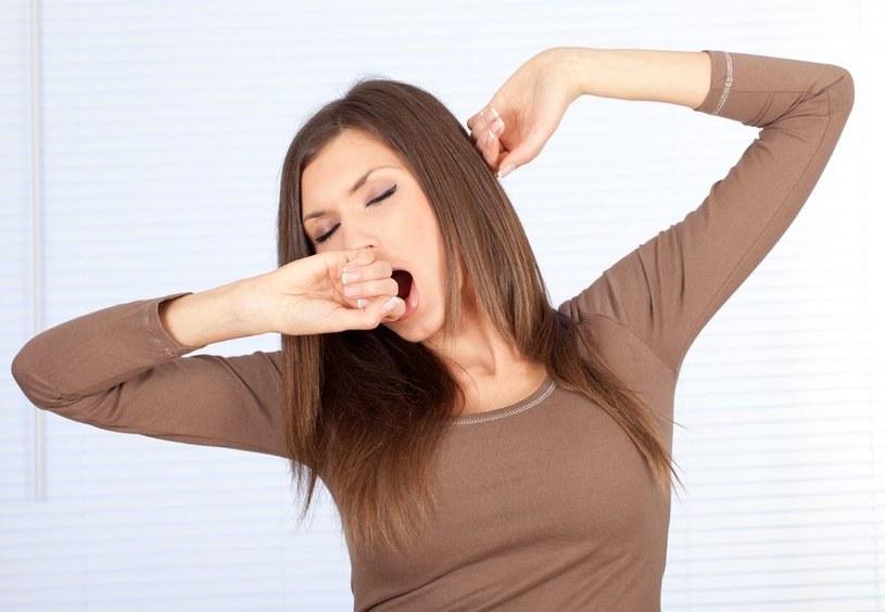 Najnowsze badania sugerują, że rolą ziewania jest chłodzenie mózgu. /123RF/PICSEL