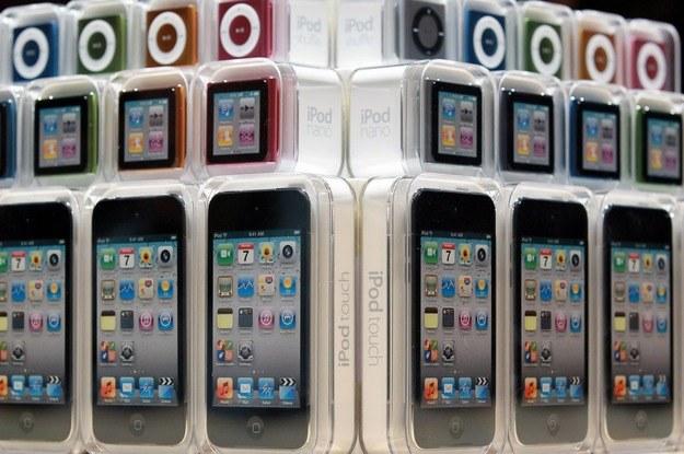 Najnowsze iPody z kolekcji jesień 2010 /AFP