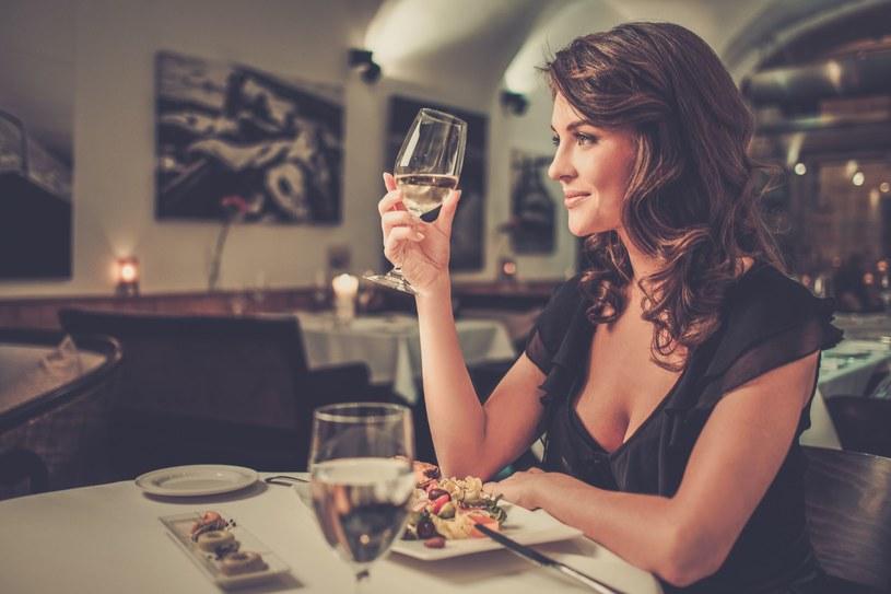 Najnowsze wyniki badań nie pozostawiają wątpliwości - niezamężne i bezdzietne kobiety są najszczęśliwsze /123RF/PICSEL