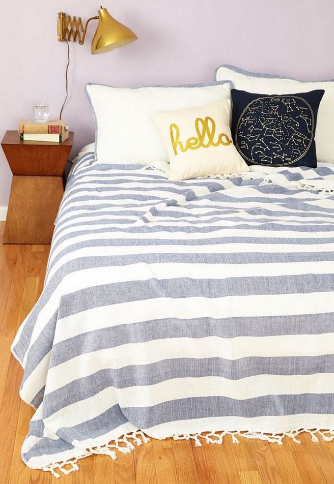 Najpierw zmontuj łóżko /© Photogenica