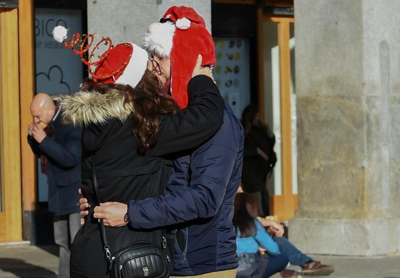 Najpopularniejsze świąteczne prezenty w Hiszpanii to test na COVID-19 i lalka, którą można testować /Gustavo Valiente/SPUTNIK Russia /East News