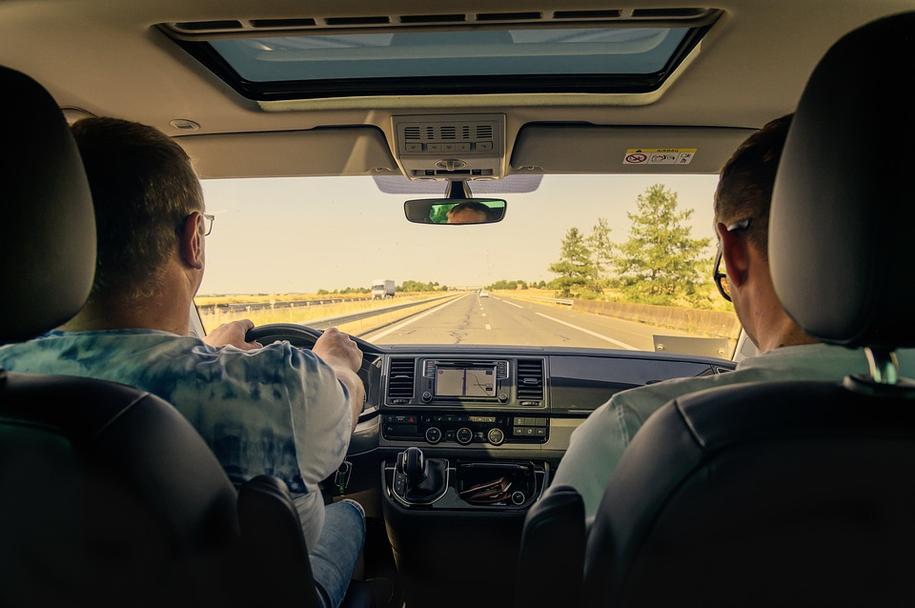 Najprawdopodobniej od początku nowego roku kierowcy nie będą musieli mieć w portfelu prawa jazdy /foto. pixabay /