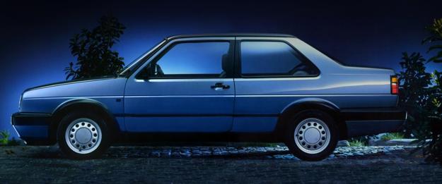Najrzadsza odmiana Jetty II: sedan 2-drzwiowy. Następcy nie było. /Volkswagen