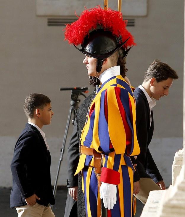 Najstarszy syn byłego premiera Włoch, Francesco (po prawej) ma szansę na zostanie gwiazdą futbolu /Fabio Frustaci /PAP/EPA