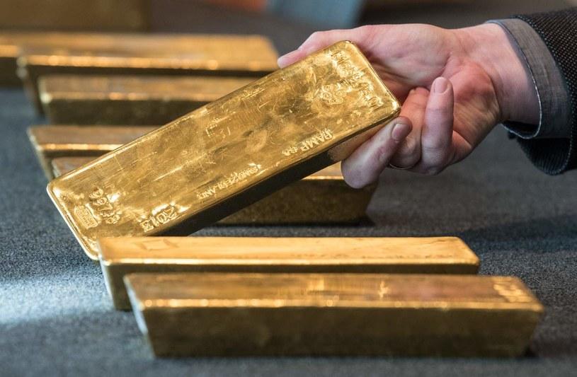 Najszybciej drożeje srebro, a historyczne rekordy cen złota mogą zostać pobite /AFP