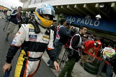 Najszybszy był Alonso, Kubica 14. /AFP