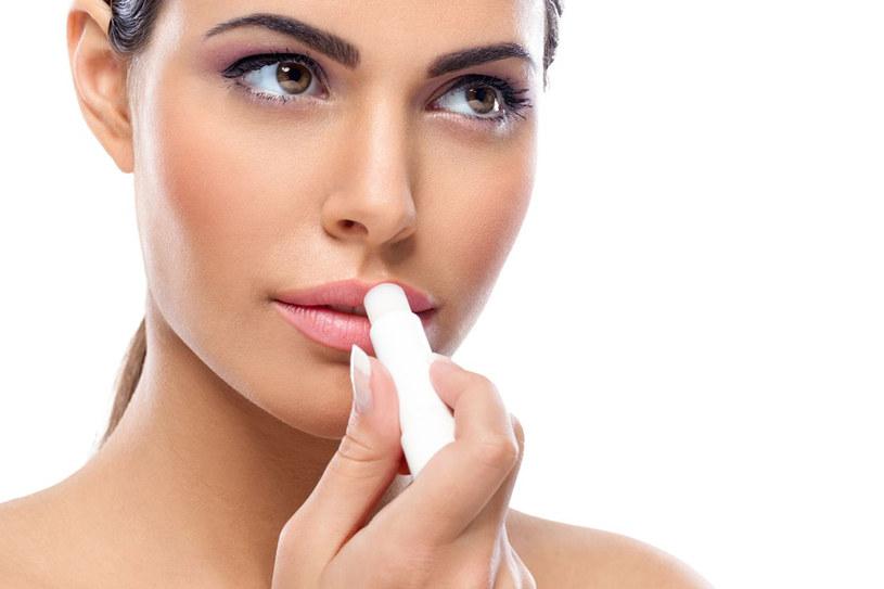 Najważniejsza jest właściwa pielęgnacja ust, która pozwoli nam na utrzymanie ich zawsze z dobrej formie /123RF/PICSEL