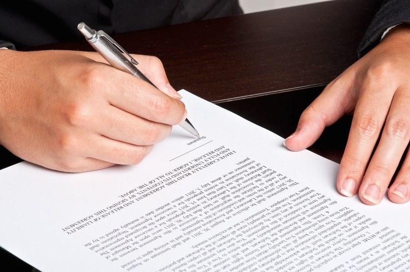 Najważniejsze przy wypowiadaniu umowy z bankiem są formalności i procedury rezygnacji z rachunku bankowego /123RF/PICSEL