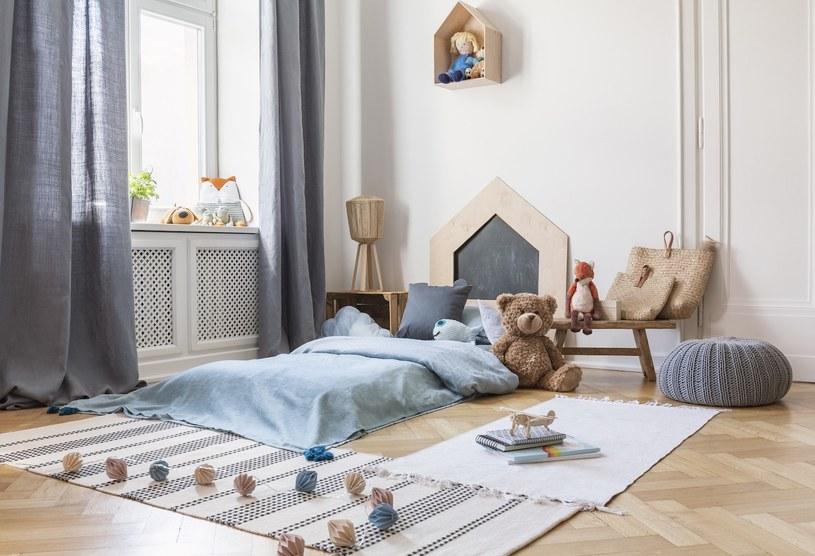 Najważniejszym miejscem w pokoju małego chłopca jest strefa relaksu /Adobe Stock