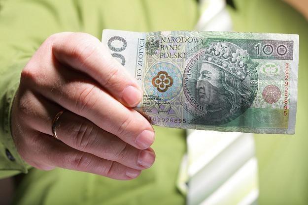 Najwięcej internautów za najbezpieczniejszą inwestycję uznaje nieruchomości /©123RF/PICSEL
