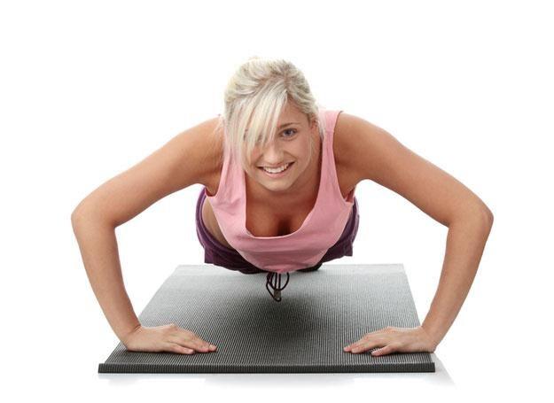 Najwięcej korzyści odnosiły osoby ćwiczące co najmniej 240 minut (4 godziny) tygodniowo /© Panthermedia