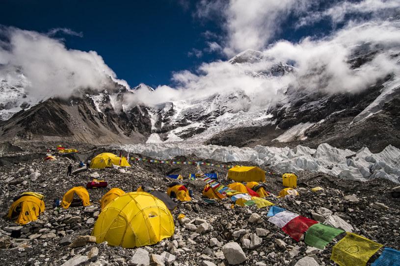 Najwięcej plastiku znajdowało się w próbkach, pobranych w okolicy Everest Base Camp /Frank Bienewald/LightRocket via Getty Images /Getty Images