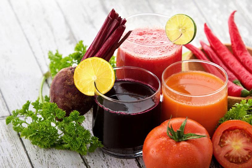 Najwięcej zyskamy wypijając świeżo przygotowany sok, dlatego nie wyciskajmy więcej, niż potrzebujemy /123RF/PICSEL
