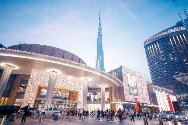 Największe miasto Zjednoczonych Emiratów Arabskich pretenduje do miana jednej ze stolic światowej mody /materiały prasowe