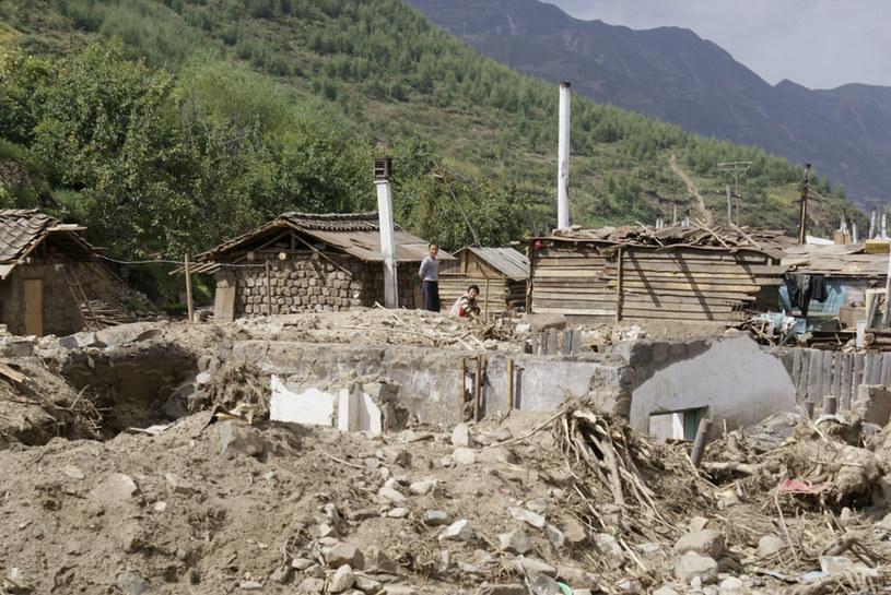 Największe zniszczenia odnotowano na terenach graniczących z Chinami /Anil POKHREL / UNICEF DPRK /AFP