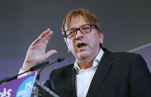 Największy atak może przypuścić szef liberałów Guy Verhofstadt /AFP