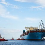 Największy kontenerowiec na świecie wpłynął do Gdańska