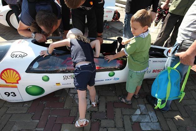 Największym zainteresowanie cieszyły się pojazdy o nietypowym wyglądzie /PAP