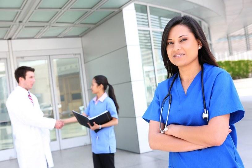 Największym zainteresowaniem w krajach Zatoki Perskiej cieszą się pracownicy sektora medycznego /123RF/PICSEL
