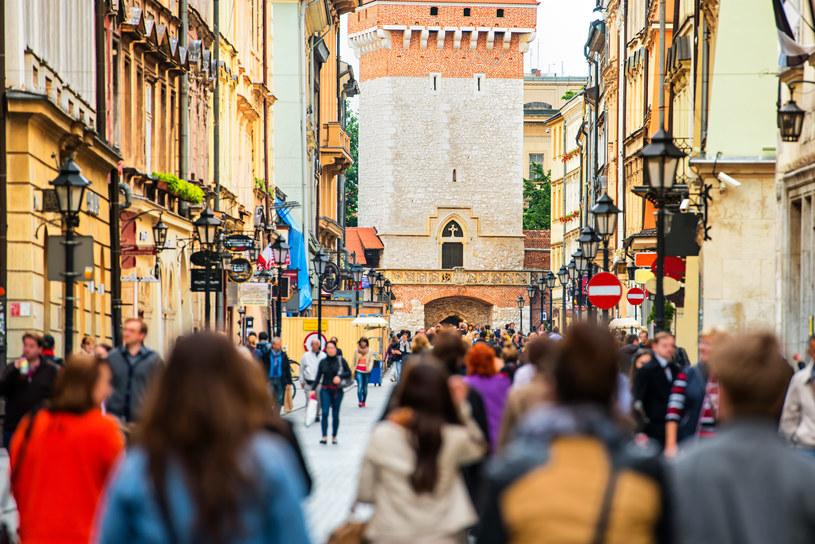 Najwyższe wynagrodzenie otrzymywały osoby zatrudnione w Krakowie /123RF/PICSEL