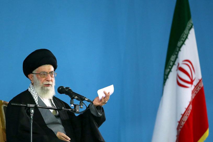 Najwyższy przywódca duchowo polityczny Iranu ajatollah Ali Chamenei /KHAMENEI.IR /AFP