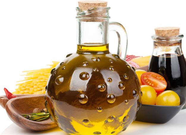 Najzdrowsza do smażenia jest oliwa z oliwek /123RF/PICSEL